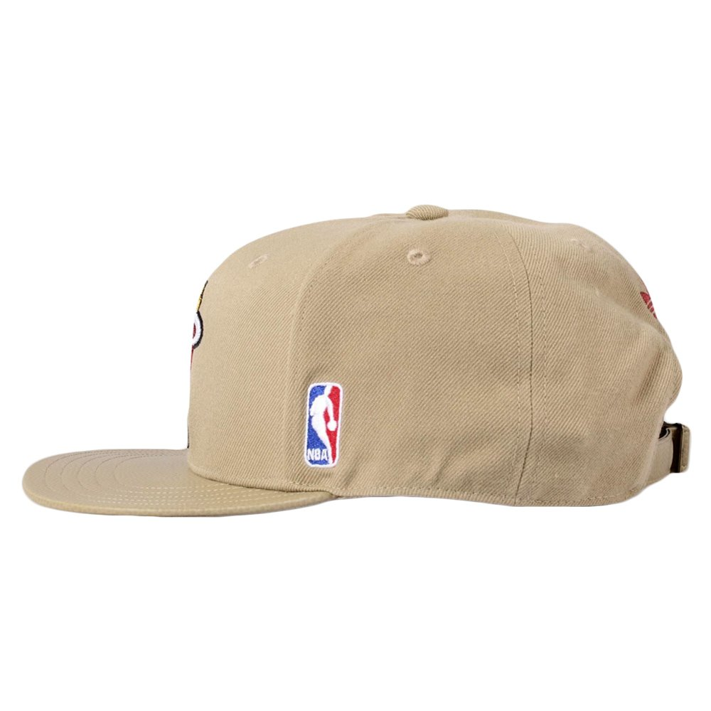 984a5ea02fc Czapka z daszkiem Adidas Originals NBA MIami Heat bejsbolówka AI3949 ...